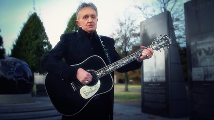 Bill Anderson performs at World War II tribute in Washington DC