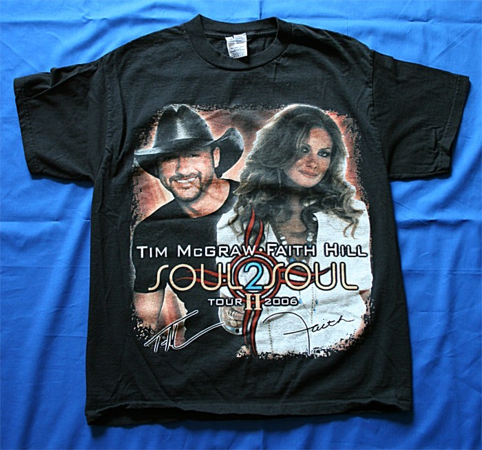 "Faith Hill - t-shirt ""Soul 2 Soul"" tour"