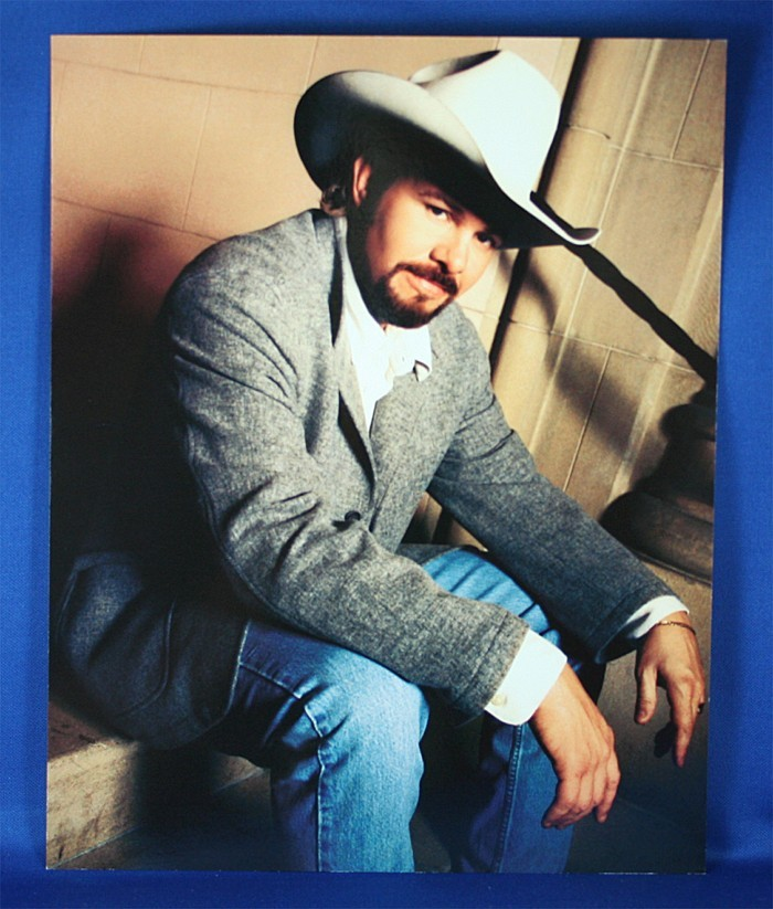 Toby Keith - 8x10 color photograph sitting on cement
