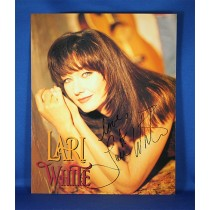 Lari White - autographed 8x10 color photograph