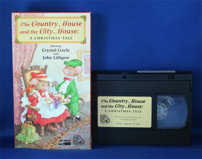 "Crystal Gayle - VHS ""The Country Mouse and the City Mouse: A Christmas Tale"""