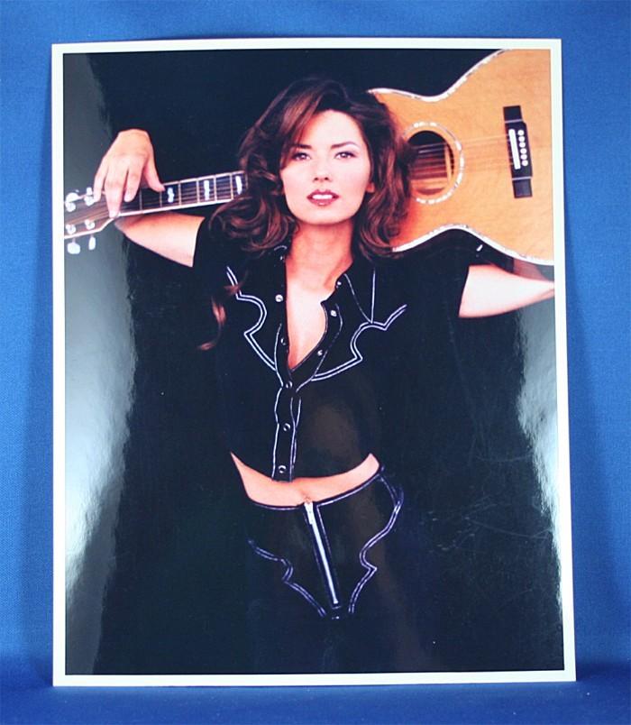 Shania Twain - 8x10 color photograph with guitar