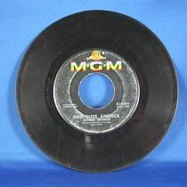 "Connie Francis - 45 LP ""God Bless America"" / ""Among My Souvenirs"""