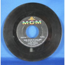 """Connie Francis - 45 LP """"When The Boy In Your Arms"""" & """"Baby's First Christmas"""""""